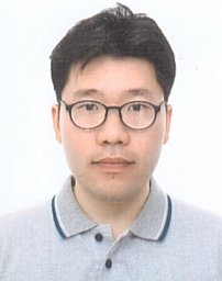 Yong-Mook Kang
